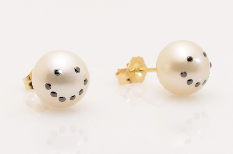 The best selling Earrings, Rings, Necklaces, Bracelets, by Contemporary Fine Jewelry Designer Nektar De Stagni. All pieces delicately hand made in the USA with the finest authentic pearls, gold, silver, and diamonds :)